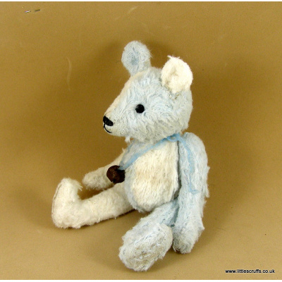 blue_and_white_bear3